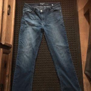 Ladies Wrangler Rock 47 jeans. 33x36 low rise
